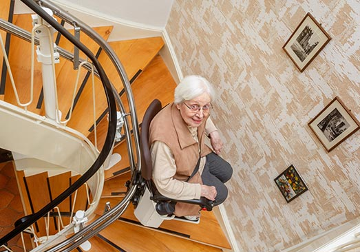 installation monte-escalier à Caluire-et-Cuire